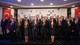 İstanbul Büyükşehir Belediye Başkanı Ekrem İmamoğlu, belediyenin üst düzey yöneticileriyle iştiraklerin genel müdürlerini tanıttı. ( İsa Terli - Anadolu Ajansı )