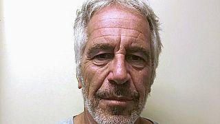 Çocuk istismarıyla suçlanan ABD'li milyarder iş adamı Jeffrey Epstein intihar etti
