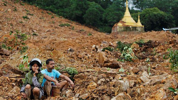 Μιανμάρ: Δεκάδες νεκροί από κατολίσθηση