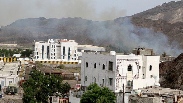 دود ناشی از درگیری ها در جنوب عدن