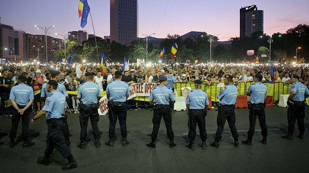 تجمع شبانه در بخارست؛ معترضان خواستار استعفای دولت سوسیال-دموکرات شدند