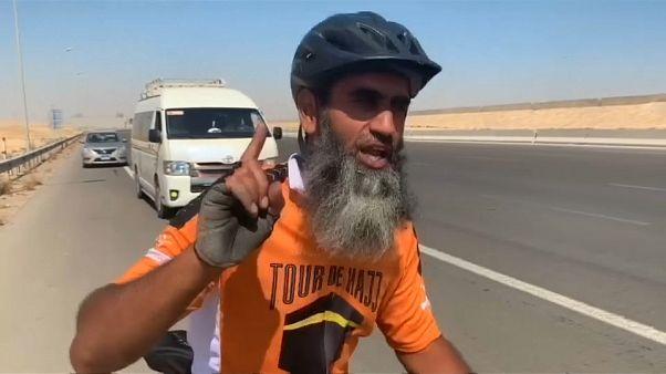 Peregrinos de duas rodas recebidos com heróis em Meca