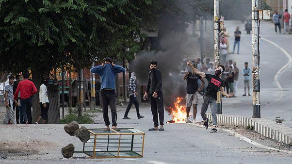 درگیری میان اهالی کشمیر و ماموران امنیتی هند در سرینگر