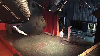 Politikai ügy lett a tiranai színház sorsa