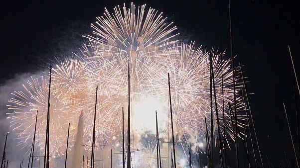 Breathtaking fireworks show lights up the skies over Geneva