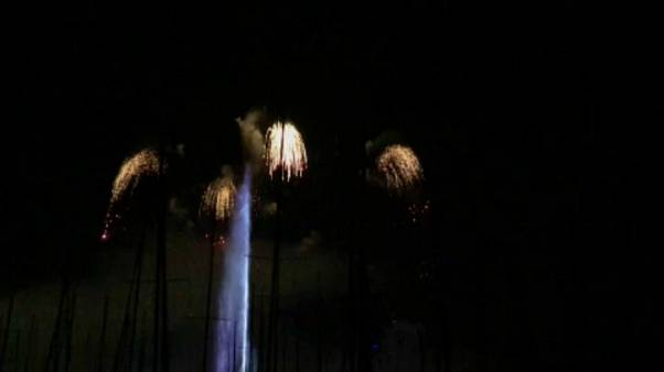 آتشبازی بر فراز دریاچه شهر ژنو