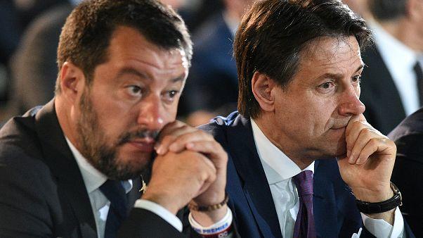 رئيس الحكومة الإيطالي جوزيبي كونتي ووزير داخليته ماتيو سالفيني