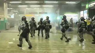 Escalada de violência em Hong Kong