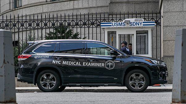 Caso Epstein: l'autopsia non risolve ancora il rebus della causa della morte