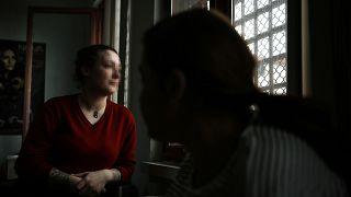 Adalet Bakanlığına cezaevindeki anneler için elektronik kelepçe çağrısı