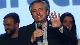 Arjantin: Devlet başkanlığı ön seçimlerinde muhalefet adayı Fernandez yarışı önde götürüyor