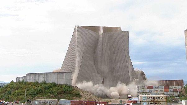"""Allemagne : une centrale nucléaire détruite en """"douceur"""""""