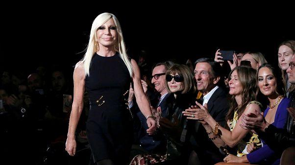 """Givenchy, Versace et Coach s'attirent les foudres chinoises pour des t-shirts """"Hong Kong"""""""