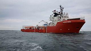 """""""Ocean Viking"""" recolhe 350 pessoas do mar"""