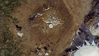 Islandia coloca una placa en memoria de su primer glaciar desaparecido a causa del cambio climático