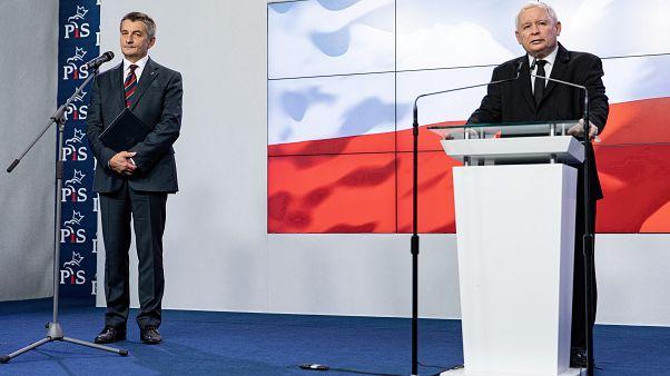 Polonya Meclis Başkanı Marek Kuchcinski (solda) PiS leader Jaroslaw Kaczynski (sağda)