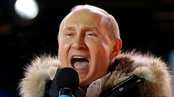 Putyin egy 2018-as nagygyűlésen, amelyen a Krím visszacsatolását ünnepelték