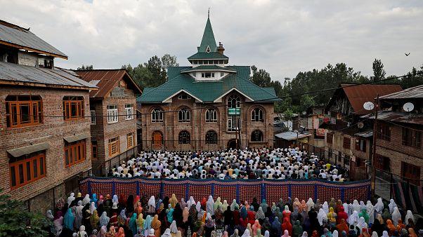 Pakistan'dan Hindistan'a Cammu Keşmir kınaması: Müslümanların dini özgürlükleri kısıtlanıyor