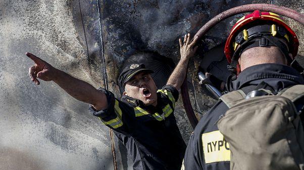 Πυροσβέστες κατά τη διάρκεια επιχείρησης κατάσβεσης δασικής πυρκαγιάς, Δευτέρα 12 Αυγούστου 2019.ΑΠΕ ΜΠΕ/ΑΠΕ ΜΠΕ/ΚΩΣΤΑΣ ΤΣΙΡΩΝΗΣ