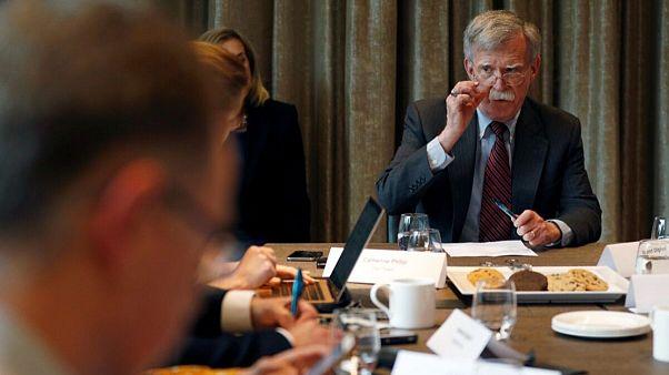 بولتون در لندن؛ آیا آمریکا برای همراهی بریتانیا علیه ایران رشوه میدهد؟