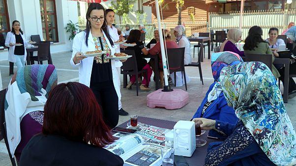 Amasya'da çay ve kahvenin ücretsiz olduğu kadınlara özel kıraathane açıldı