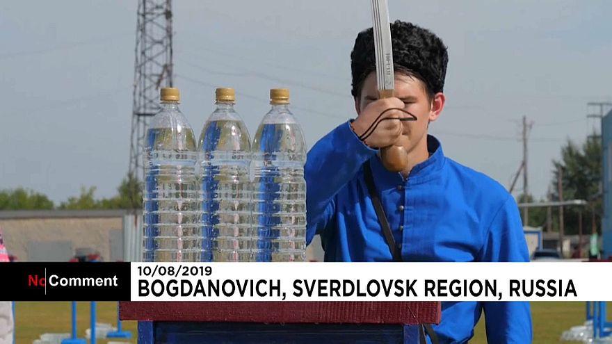 ویدئو؛ مسابقه شمشیرزنی قزاقهای روسیه