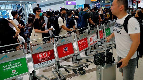 Hong Kong: Partidas novamente canceladas no Aeroporto internacional