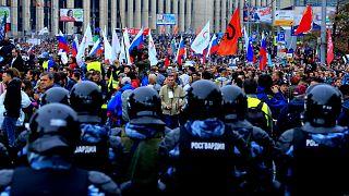 Rusya'daki protestolara Kremlin'den ilk açıklama: Siyasi kriz yok; polis aşırı güç kullanmıyor