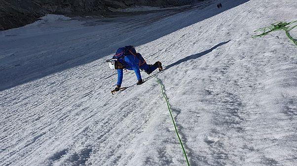 عکس قلابی از کوهنوردی سیاستمدار فرانسوی جنجال به پا کرد