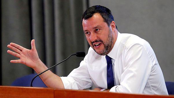 İtalya İçişleri Bakanı Matteo Salvini denizdeki 500 göçmene kapıyı kapattı