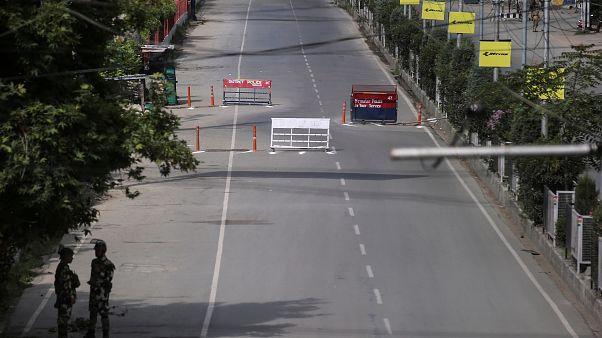 Hindistan Yüksek Mahkemesi: Keşmir'de düzeni sağlamak için hükümetin zamana ihtiyacı var
