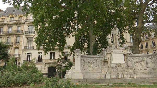 وزیر عدالت جنسیتی فرانسه خواستار بررسی فعالیت اپستاین در این کشور شد