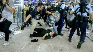 Hong Kong tenta voltar à normalidade