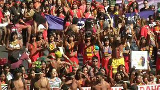 Manifestaciones contra Bolsonaro por deforestaciones masivas y recortes al sistema público