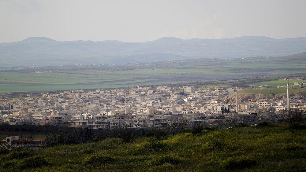 المرصد السوري: قوات الحكومة السورية وحلفاؤها يدخلون بلدة خان شيخون   Euronews