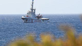 Imagen de un rescate del barco Ocean Viking