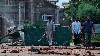 Cachemire : le couvre-feu bientôt assoupli, le Pakistan prêt à prendre les armes