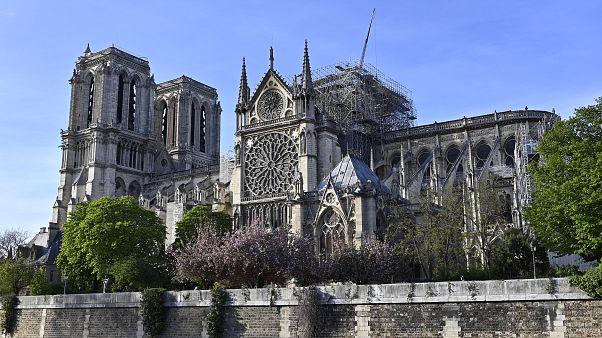Fransa'da aşırı sıcaklar, Notre Dame Katedrali'nin çökme riskini artırıyor