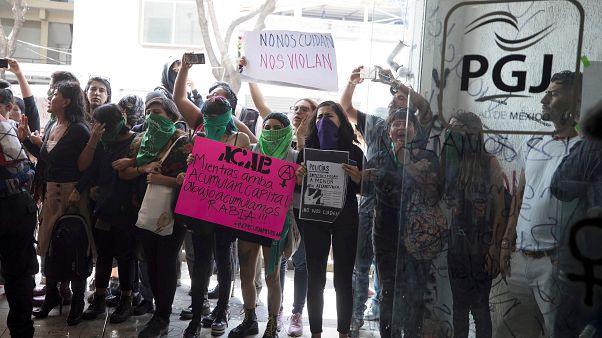 جانب من مظاهرة ضد الشرطة المكسيكية