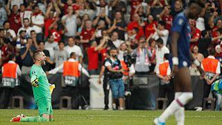 El español Adrián da al Liverpool el título de la Supercopa de Europa