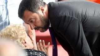 İtalyan mahkemesi Salvini'nin göçmen kurtaran İspanyol gemisine koyduğu yasağı askıya aldı