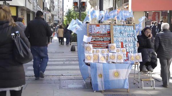 Argentina aguanta el tirón hasta las presidenciales