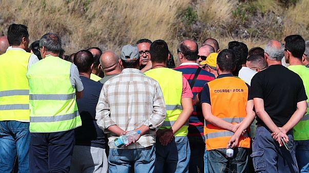 Pardal Henriques (C), fala aos elementos do piquete de greve. ANTÓNIO COTRIM/LUSA