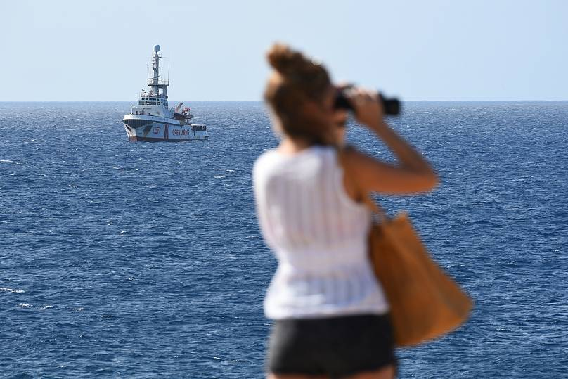 Six pays acceptent d'accueillir des migrants de l'Open Arms, Salvini contrecarré