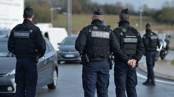 Paris'te bir hırsız, posta kutularına bırakılan anahtarlarla 70'ten fazla ev soydu