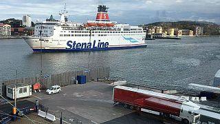 Komşu ülkelerde ucuza alkol alıp İsveç'e giren sürücüler limanlarda alkol testinden geçecek