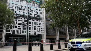 Londres : un homme poignardé devant le ministère de l'Intérieur, un suspect arrêté