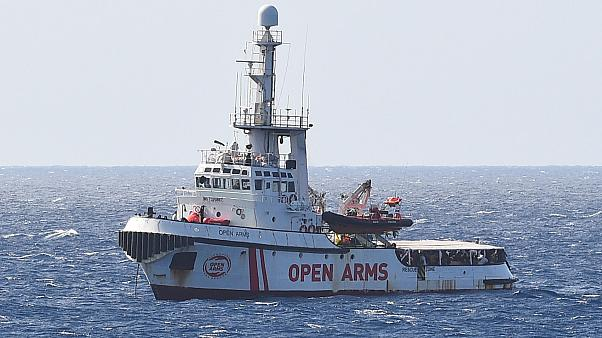 Open Arms: Situation of migrants stranded at sea is 'untenable' says European Commission