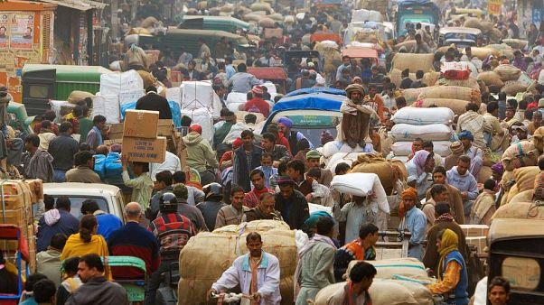 Dünyanın en kalabalık 2. ülkesi Hindistan'da kontrolsüz nüfus patlaması alarmı