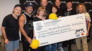 Heavy-Metal-Band Metallica spendet an Kinderkrebsklinik in Rumänien